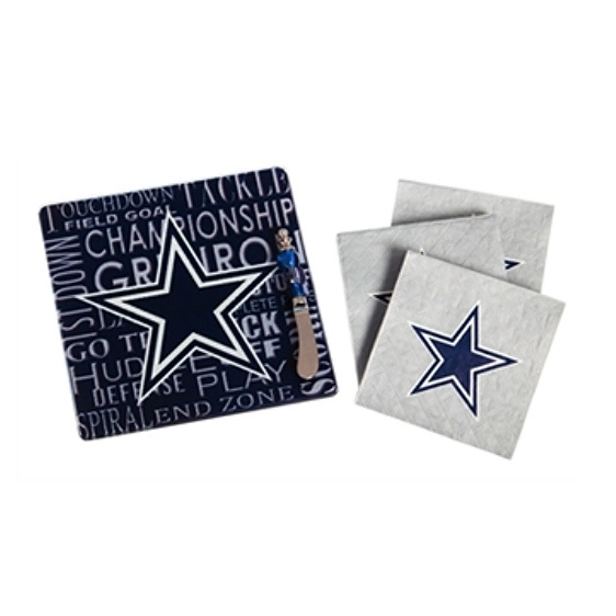 Dallas Cowboy Cutting Board and Napkin Set